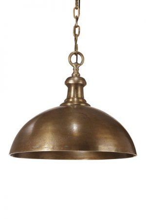 Taklampa Liverpool Råmässing. Helgjuten taklampa i råmässing, levereras med 1,2 meter lång kedja och takkopp i samma färg som lampan. Sockel E27.