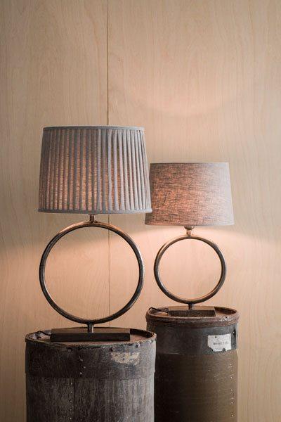 Bordslampa Råsilver Circle 43 cm
