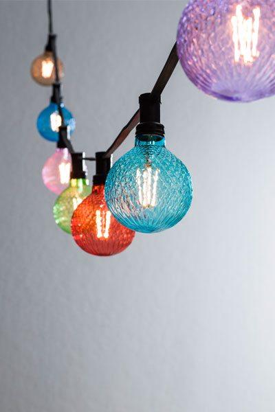 Ljusslinga färgade stora lampor