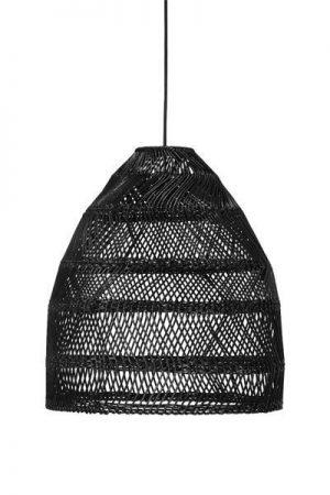 Taklampa Maja Svart.Modern taklampa i svart rotting. Levereras med svart lampsladd 1,2 meter med tackkopp. Sockel E27. Finns i tre storlekar.