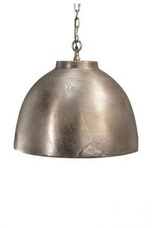 Taklampa Rochester Råsilver. Taklampa Rochester är en tung och gedigen taklampa i råsilver, levereras med 1,2 m kedjaoch takkopp i råsilver