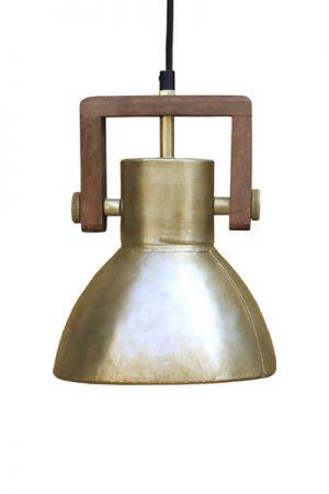 Taklampa Ashby Single Gold. Taklampa i guldmetall med trädetalj, 1,10 meter textilsladd med takkopp.Sockel E27. Lampan finns i tre storlekar och tre olika färger.