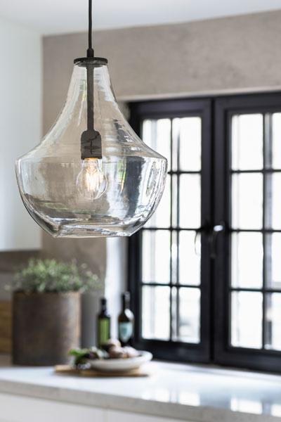 Hamilton taklampa i glas