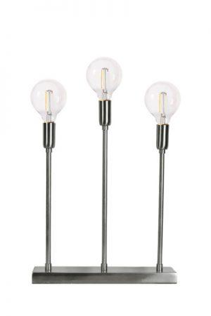 Soft Christmas 3-L Krom LED Lampa. Snygg och modern ljusstake i krom med 3 lamphållare på rad. Levereras med 3 st glödlampor som ger ett mysigt och ombonat sken. Du kan även använda staken året om. Svart textilsladd med strömbrytare. Sockel E14.