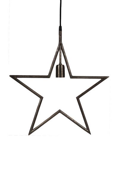 Tindra Hanging Star Matt Svart 45 cm.Snygg hängande adventsstjärna i matt svart metall. Stjärnan har en industriell design med en 3,5 meter lång textilsladd.
