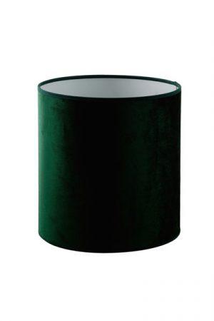 Lampskärm Roma Cylinder Smaragd. En vacker lampskärm i smaragdgrön sammet från Hallbergs. Skärmen finns i flera olika färger och storlekar. Lampskärmen har en ljus insida som ger ett behagligt sken och är lätt att matcha med olika lampfötter. Lampskärmen har ett E27 ringfäste.