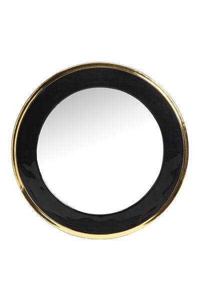 Spegel Blanka 50 cm. Rund lättplacerad spegel med en blank svart ram med mässingsdetalj från PR Home. Spegeln finns även i 70 cm.