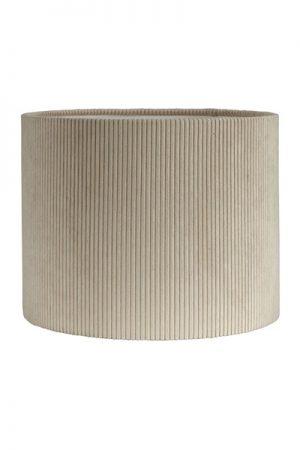 Lampskärm Kerstin Manchester. En snygg och modern cylinderformad lampskärm i manchester. Skärmen finns i flera olika storlekar och färger. Lampskärmen har en ljus insida som ger ett behagligt sken och är lätt att matcha med olika lampfötter. Lampskärmen har ett E27 ringfäste.