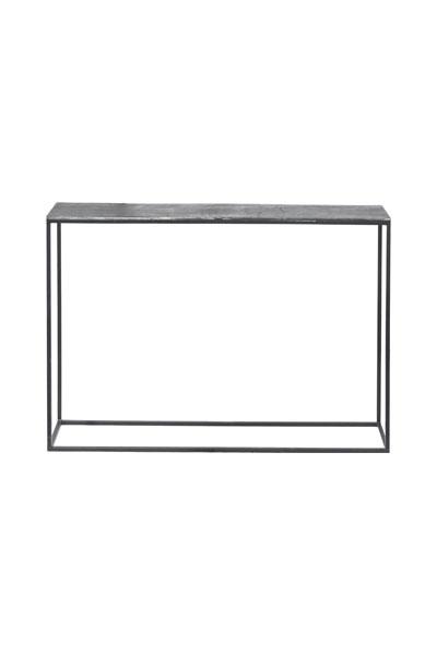 Miramar Sideboard Råsilver 100 cm. Miramar sideboard i metall från PR Home. Bordet har svarta ben och bordsskiva i råsilver. Miramar Sideboard finns i denna mindre modell och en större modell som med fördel kan matchas ihop med det mindre bordet under det större. Bordet är 100x25x70 cm och kommer monterat.