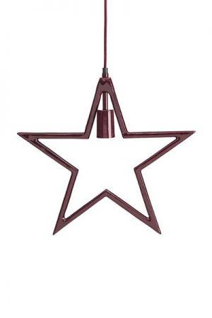 Stjärna Carla Röd. Stjärna i röd metall från PR Home. Stjärnan har textilsladd 3,2 meter i samma röda färg som stjärnan. Max 25W. Sockel E27. A++-E.